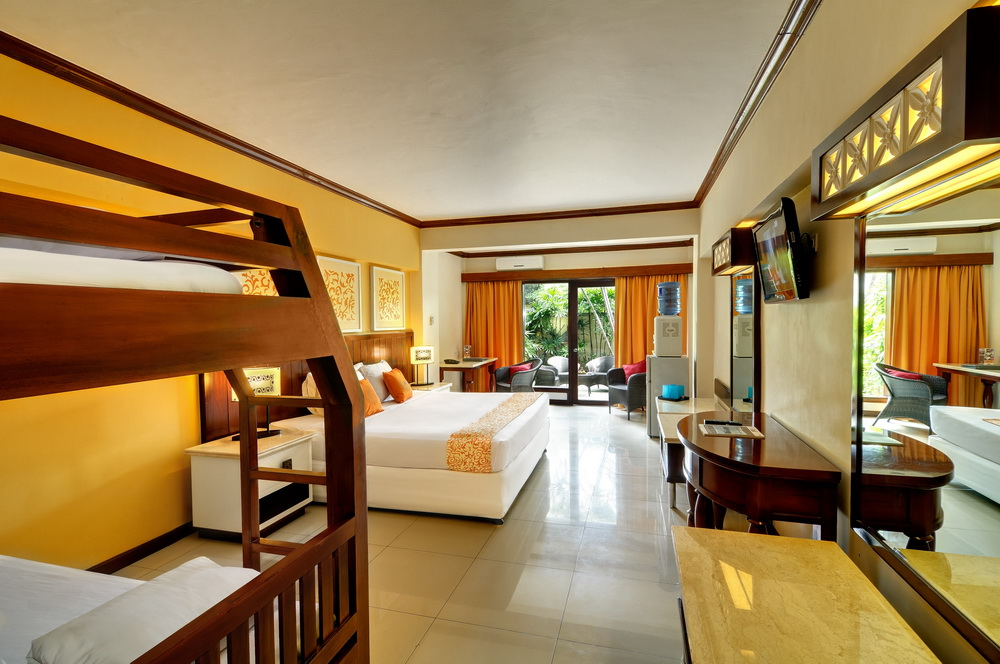 Family room bali garden beach resort a hotel for Family room accommodation